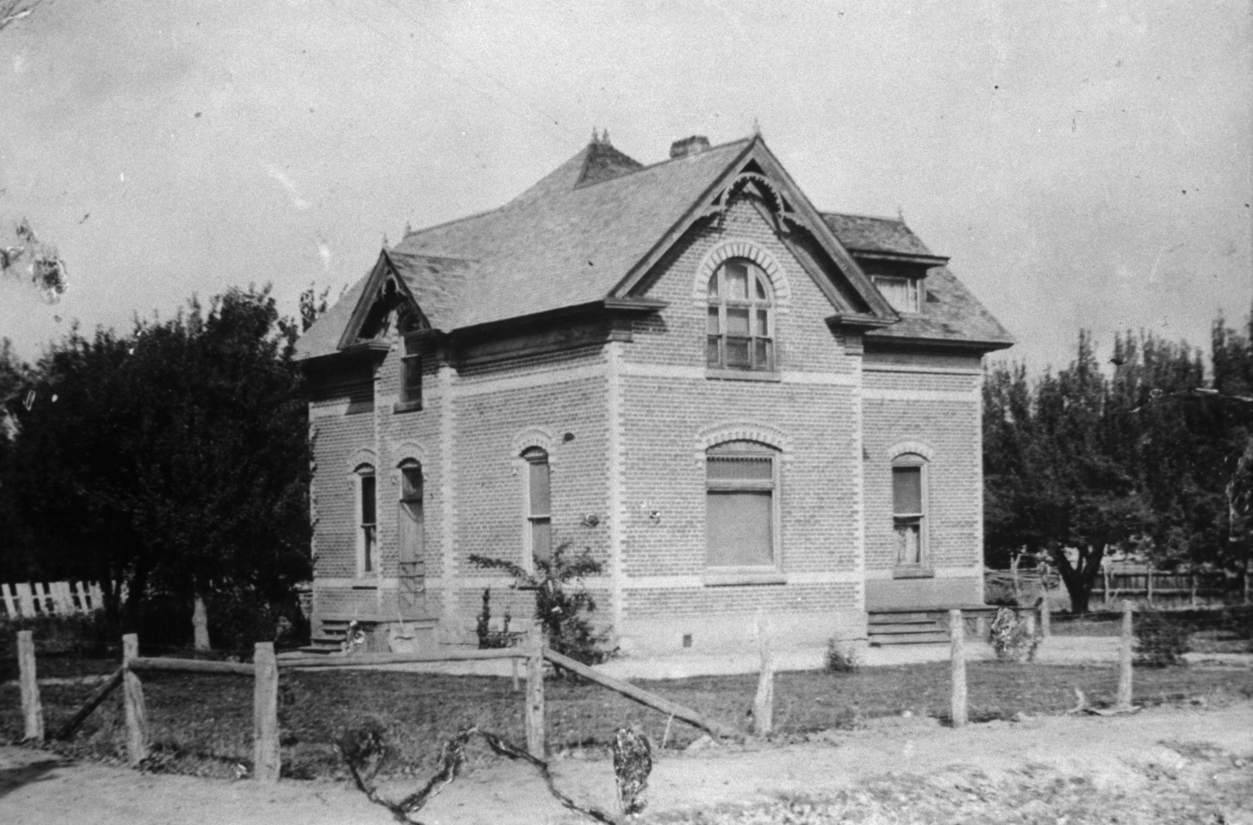 1910--Rose and Joe Lowe 2nd home in Monroe. Allen's Camera Disc.jpg