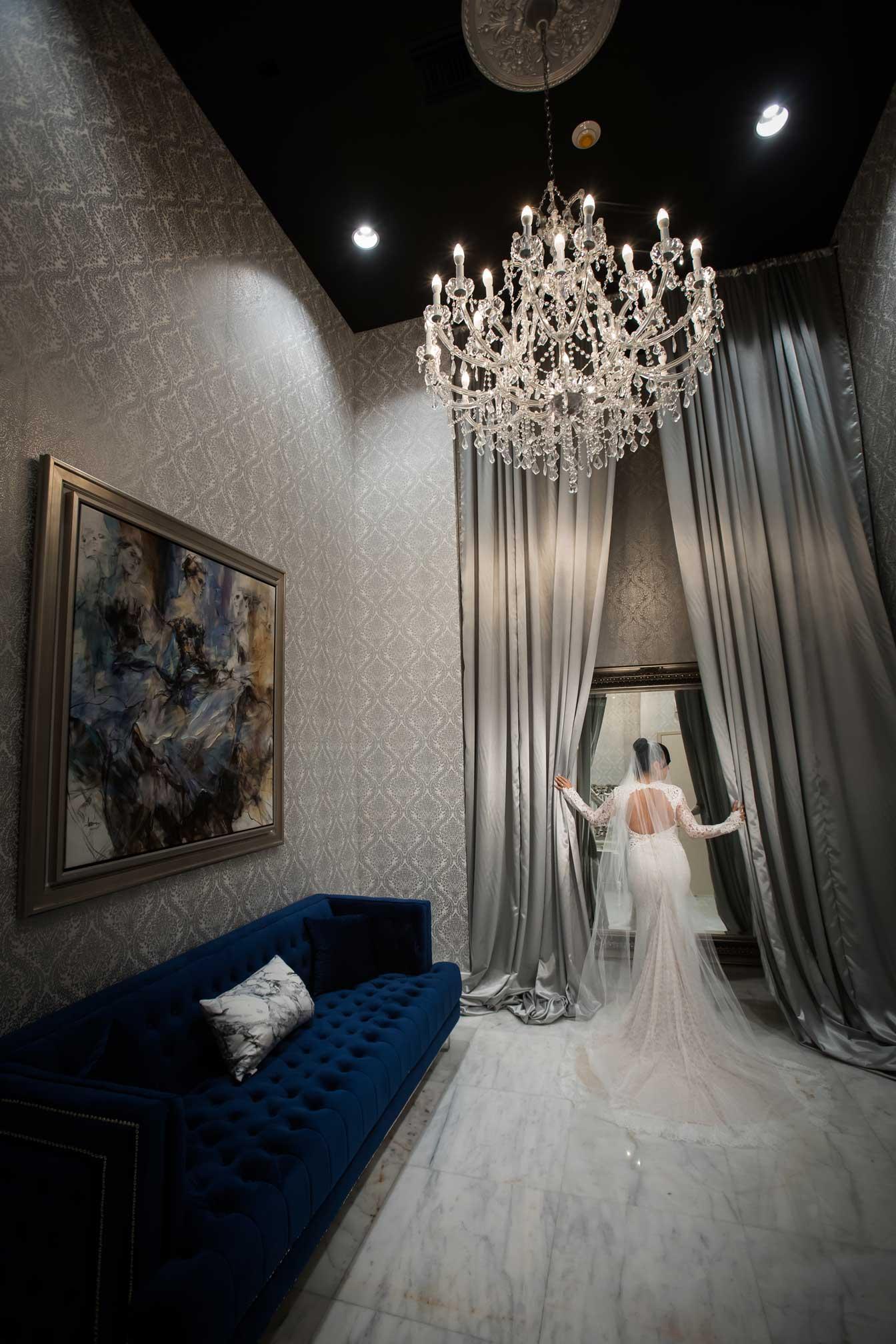 the-venue-fortlauderdale-crystalballroom-bride (16).jpg