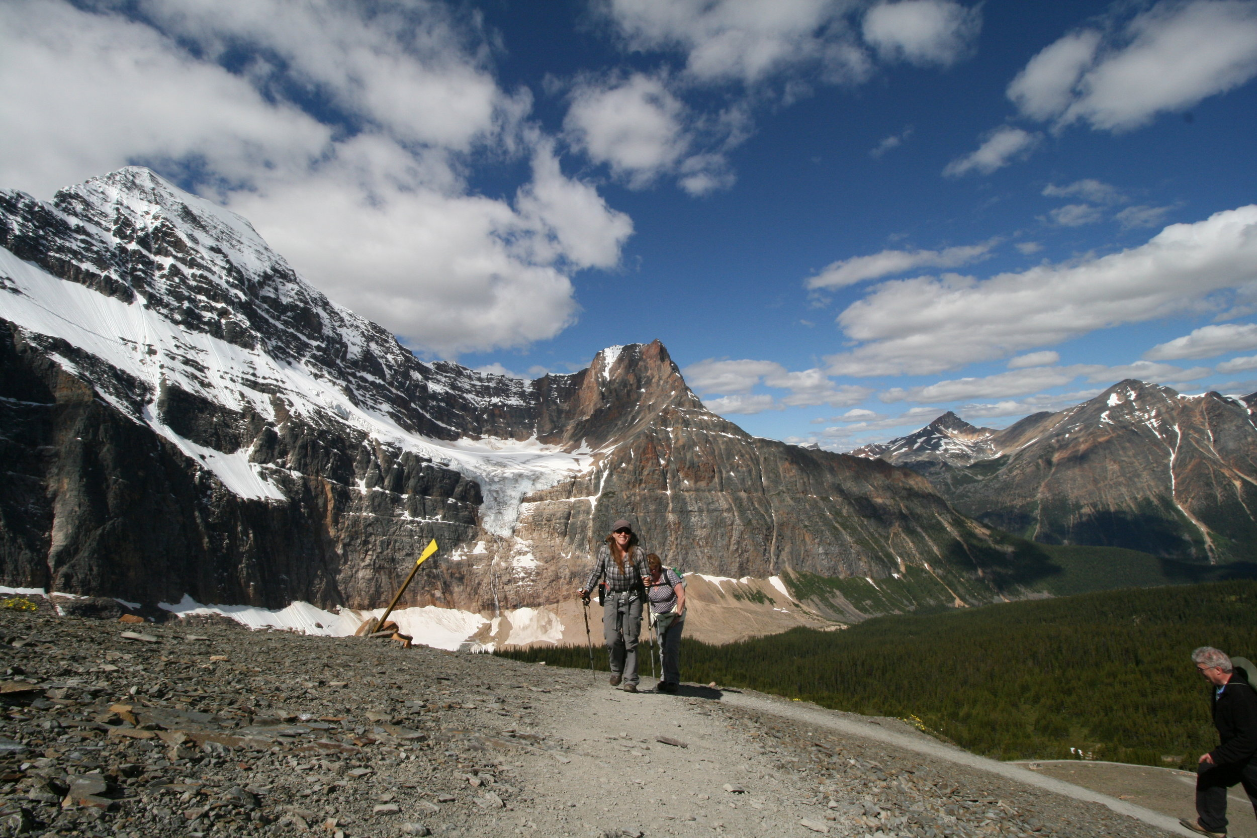 Join Us - Are you ready to experience Jasper's extraordinary wilderness? Book a guided hiking tour with us today!