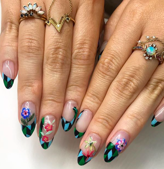 AstroWifey Nails.png