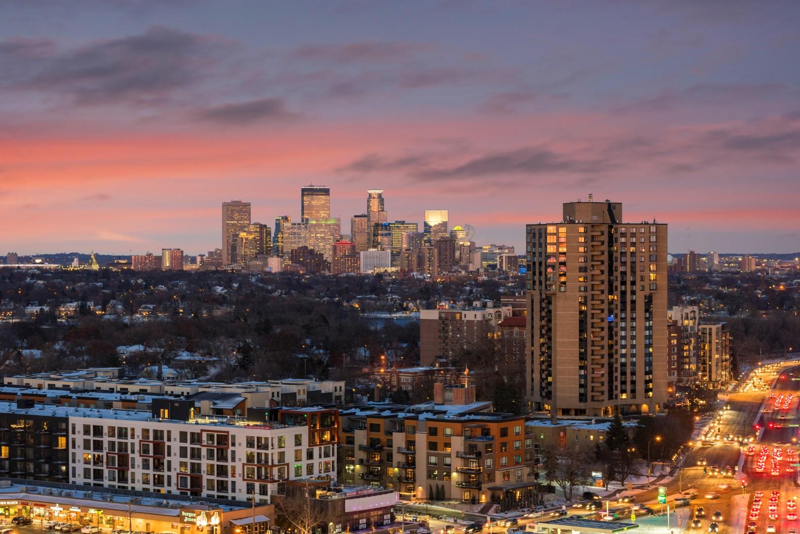 Calhoun Towers in Minneapolis, MN 2203_Penthouse A_ city view .jpg