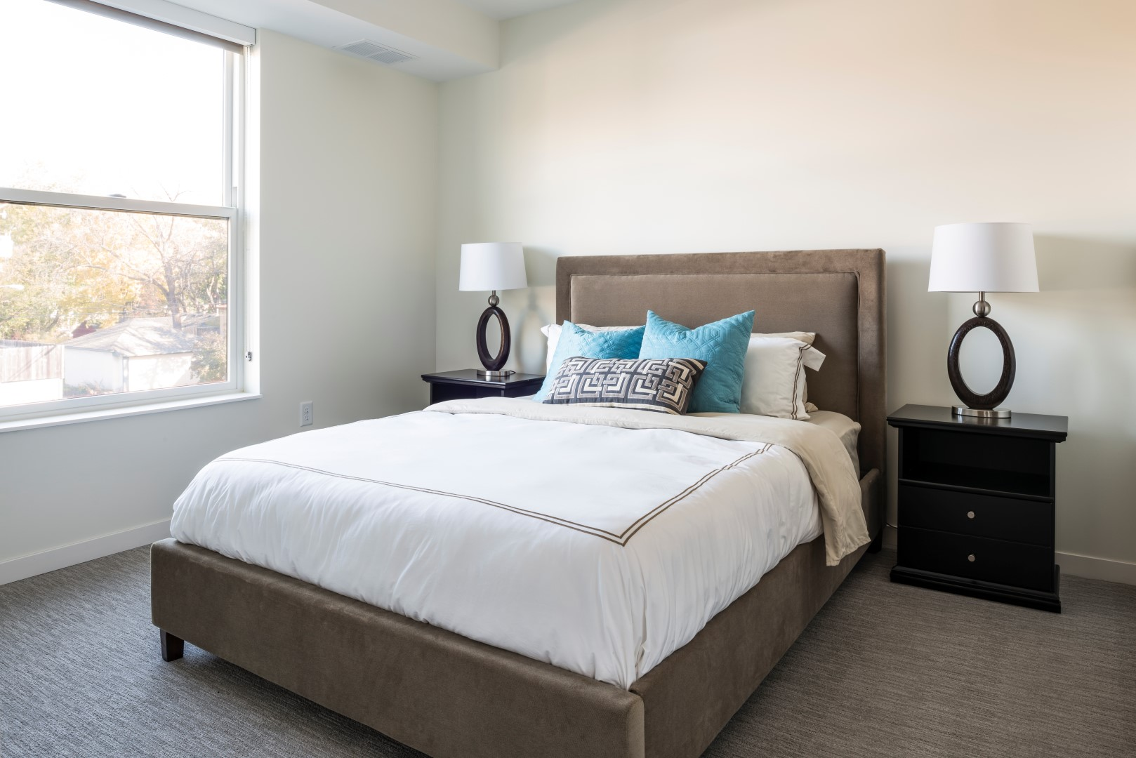 Elements-of-Linden-Hills-Apartment-Minneapolis-Minnesota-Interior9 (Large).jpg