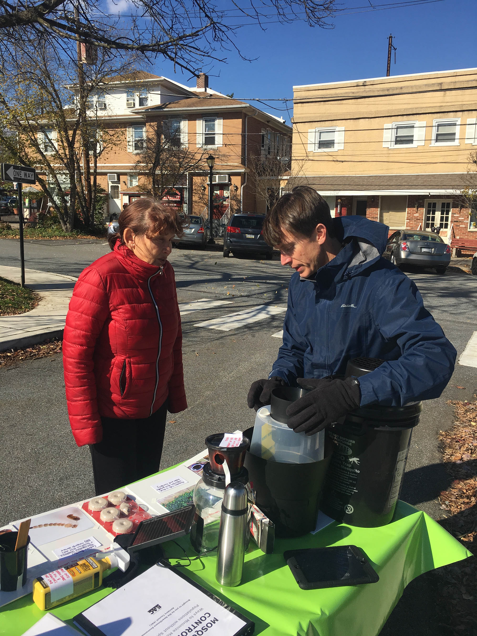 EAC volunteer Colin Purrington explains environmentally-friendly mosquito control options at the Swarthmore Farmers Market
