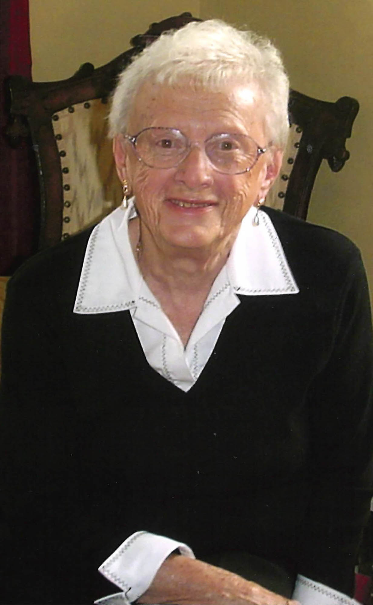 5-31 w-obit Betty Herriott.jpg