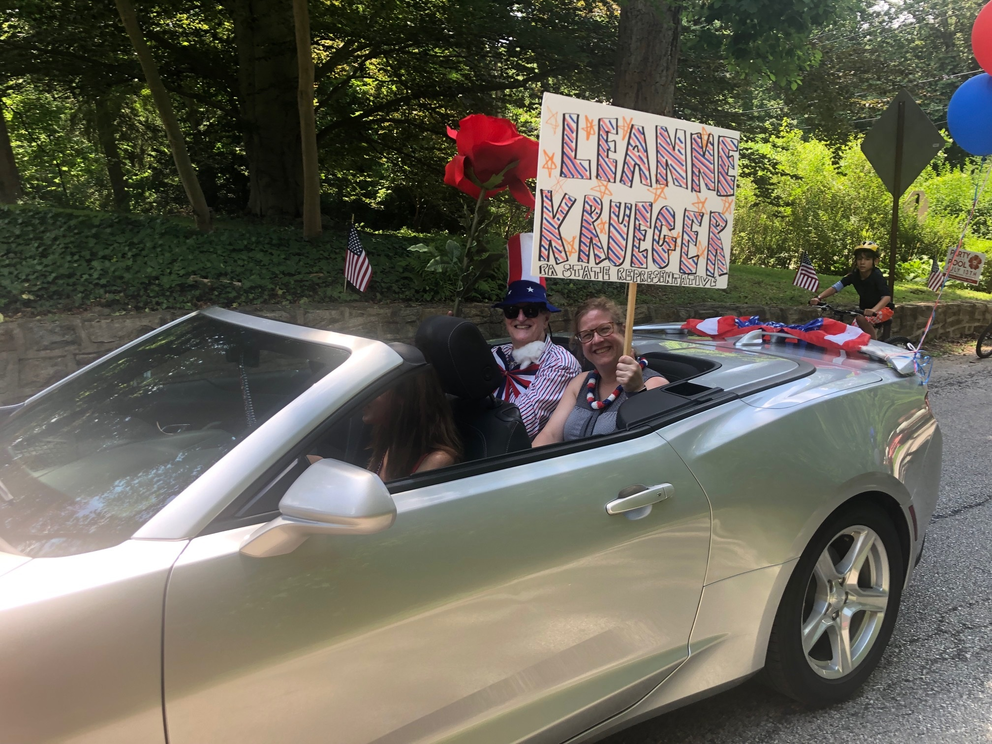 State Representative Leanne Krueger and Mayor Tim Plummer in Rose Valley parade