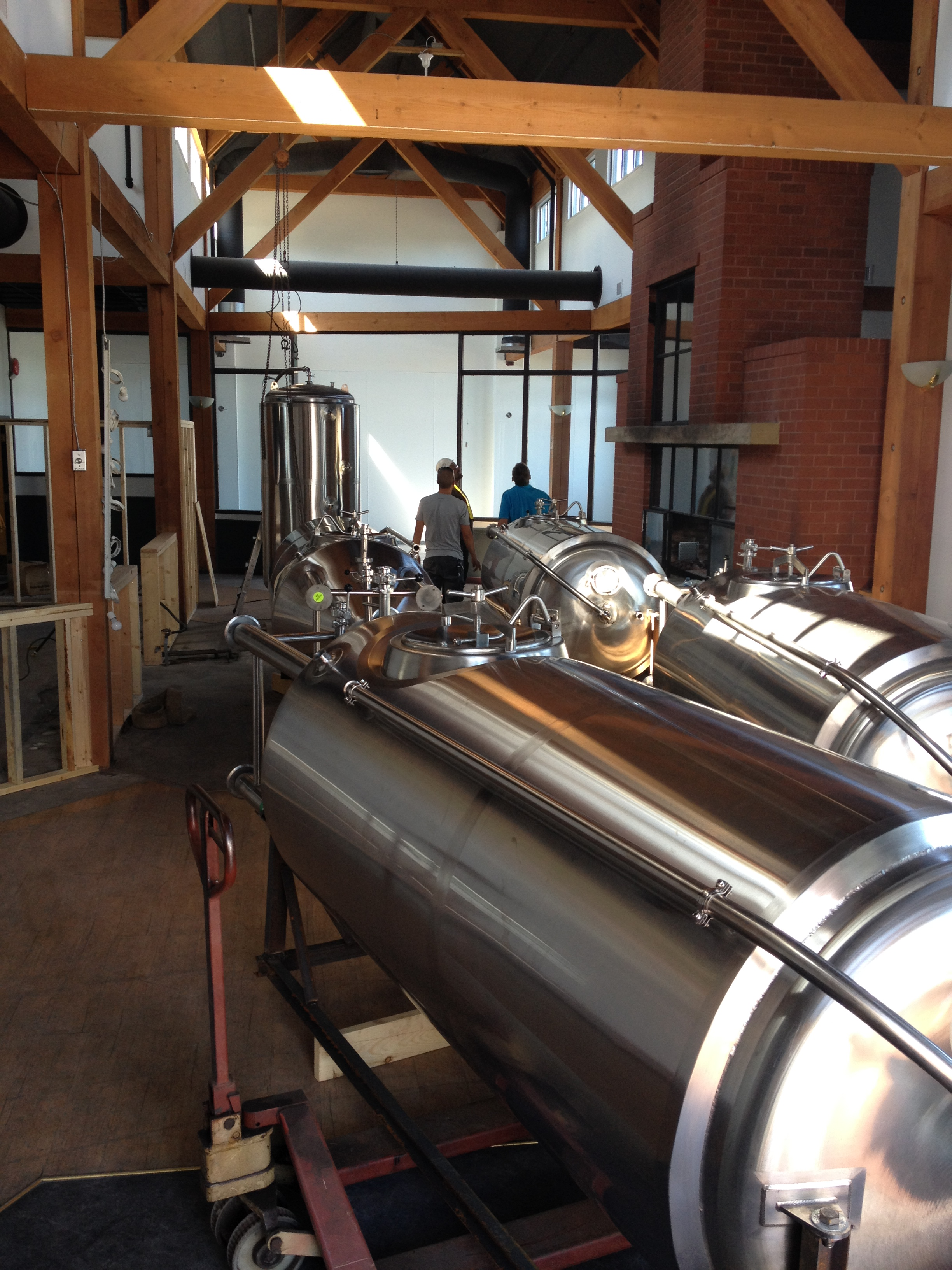 white sails brewing nanaimo bc craft beer van pours