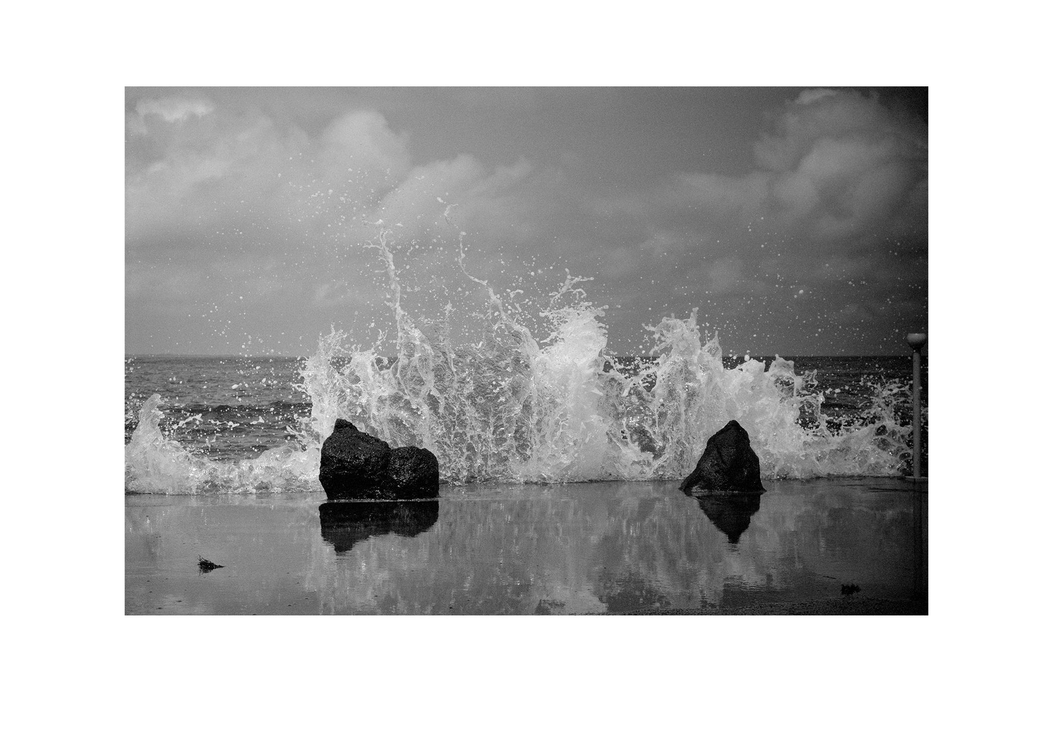 wave smash.jpg