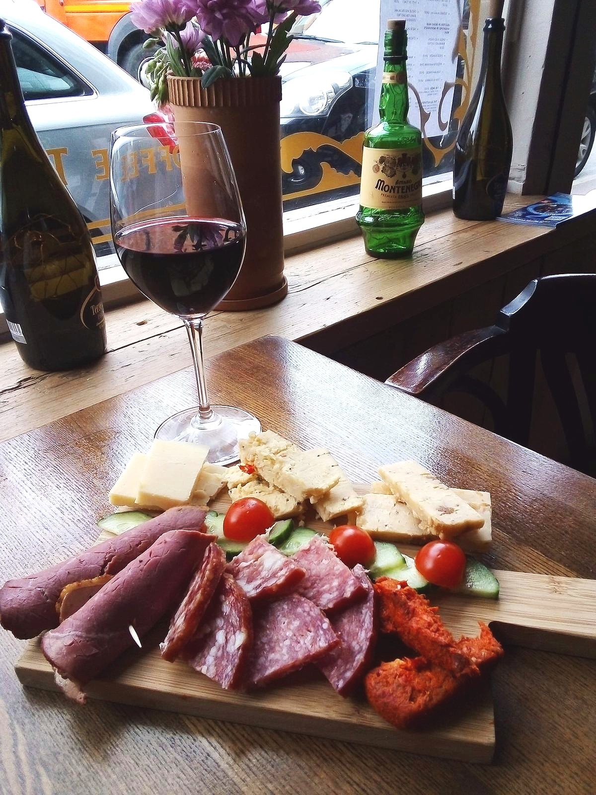 £25 Cheese and Meat Platter with Bottle of Wine Upton Upon Severn
