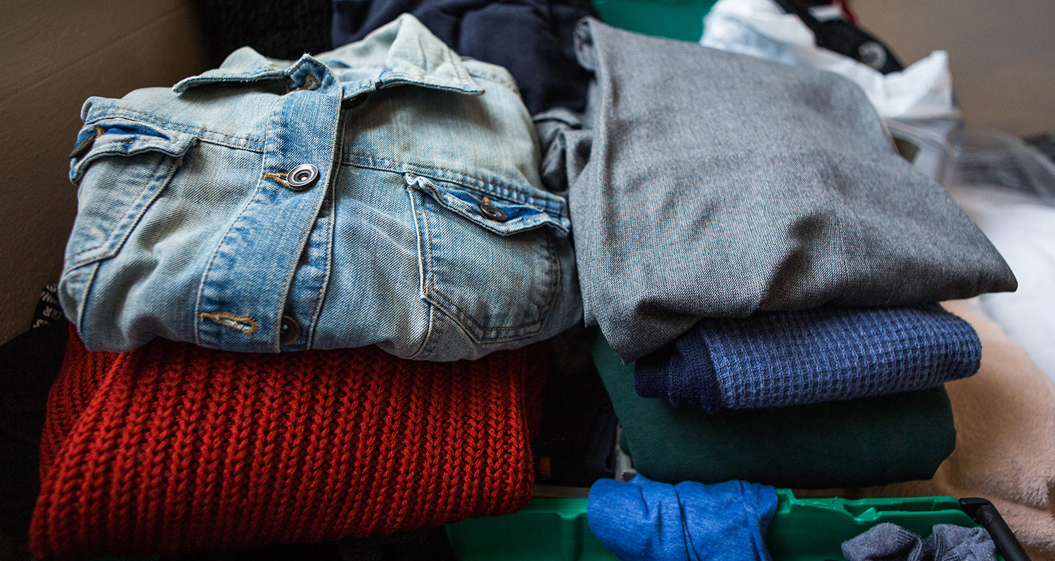 clothes-pile-homeless-charity-lewes-open-door-01c.jpg