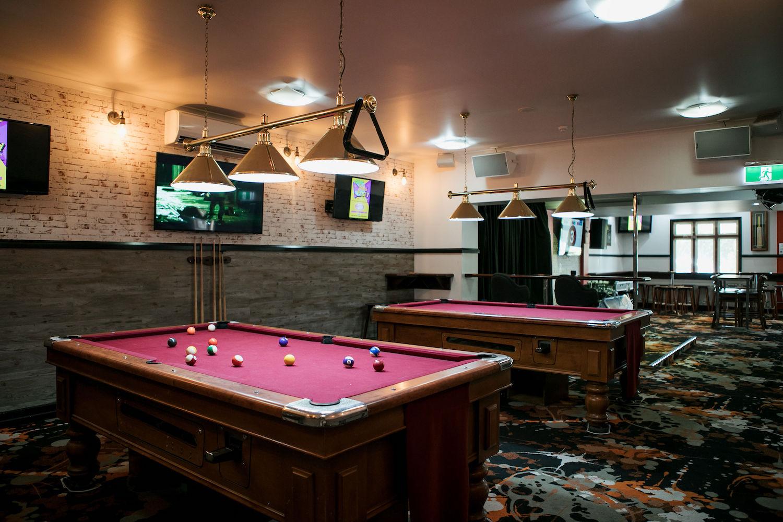 beerwah-hotel-pool-table-sports-bar.jpg