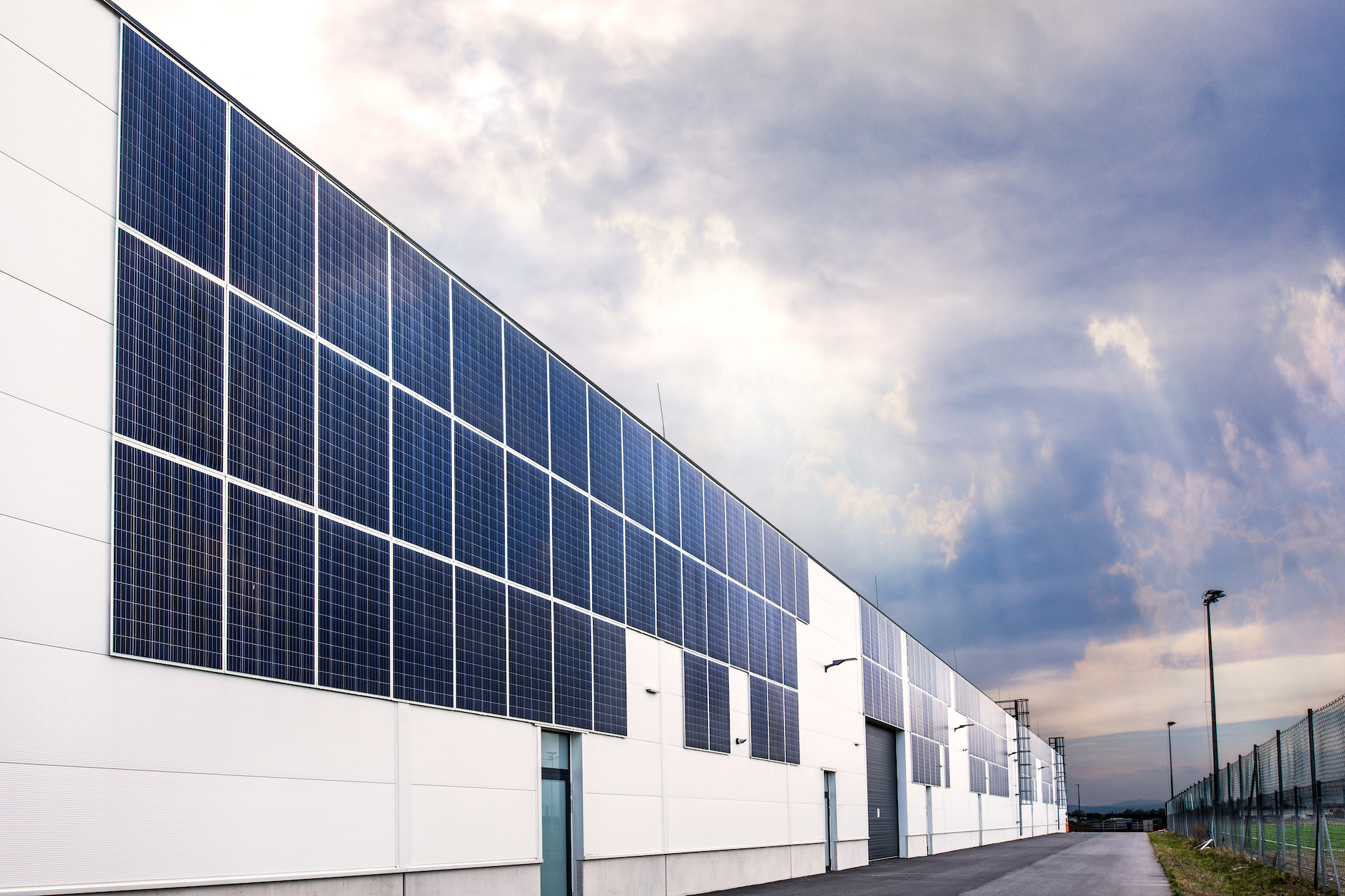 About us - DAS Energy GmbH, with its headquarter in Wiener Neustadt (Austria), is a research & development center and a production facility with a capacity of 55 MW per year. As a Green Tech company, our aim is to set new standards as a worldwide pioneer in patented photovoltaic technology: glass-free, frameless, flexible, ultra- lightweight, easy to mount, suitable for extreme weather conditions, reliable and long-lasting.