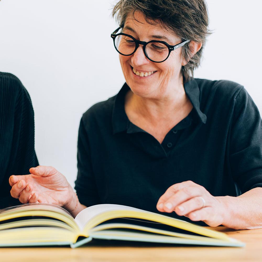 Kaat - Koken noemt ze een uit-de-hand-gelopen hobby, want Kaat helpt niet alleen in De Sladerij, maar runt ook samen met haar vriendin Lien Vangroenten. Al drie jaar werken Kaat en Géraldine zij aan zij.