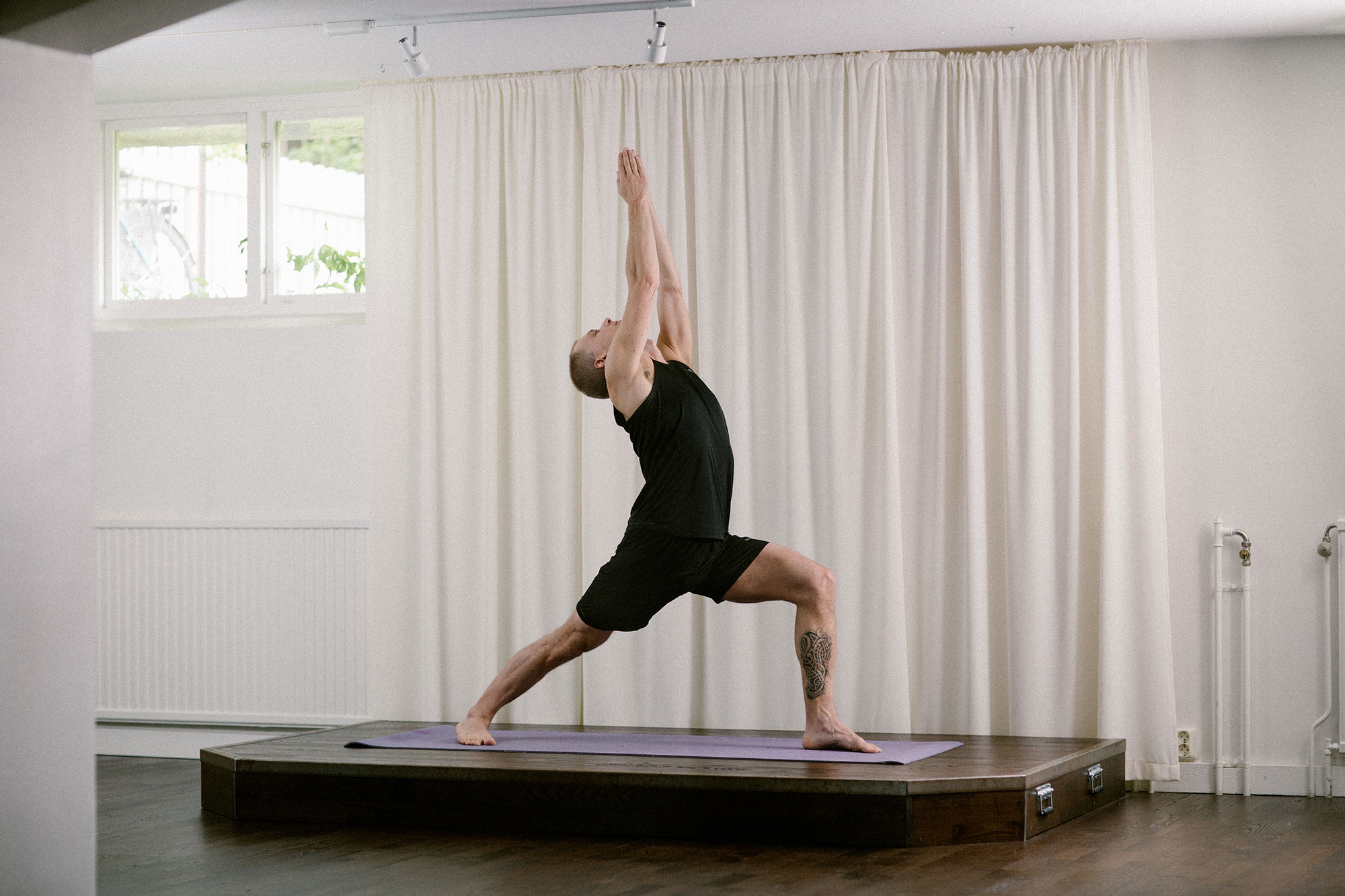 MG_Yogastudion_Joakim_yogaposition_2000px.jpg