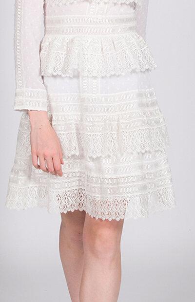 Location-vêtements-mariage-Jules-et-moi-robe-blanche-courte-Maje-1.jpg
