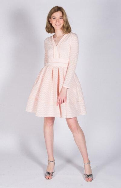 Location-vêtements-mariage-Jules-et-moi-robe-rose-courte-Maje-3.jpg