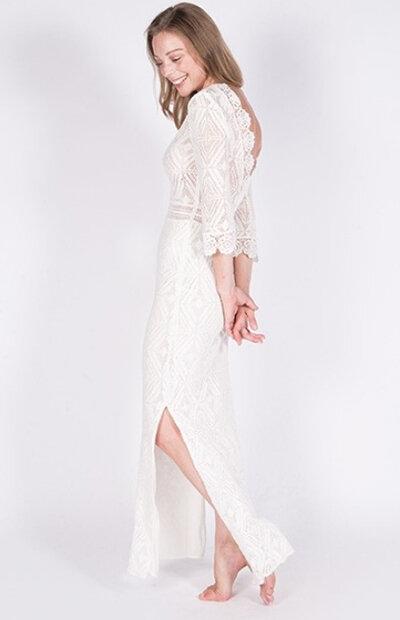 Location-vêtements-mariage-Jules-et-moi-robe-blanche-Bash-2.jpg