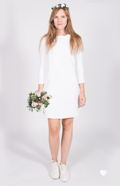 Ensemble cérémonie civile. Robe + couronne + bouquet à 150€.