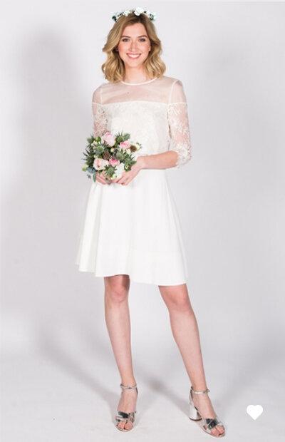 Location-vêtements-mariage-Jules-et-moi-robe-blanche-HARPE-mise-in-situ.jpg