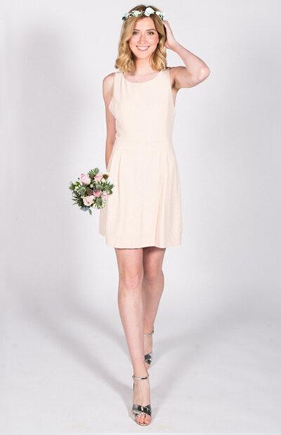 Location-vêtements-mariage-Jules-et-moi-robe-blanche-ANNA SÉZANE-couronne.jpg