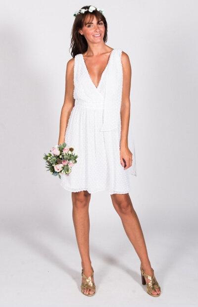Location-vêtements-mariage-Jules-et-moi-robe-rose-longue-CLAUDIE-PIERLOT-couronne.jpg