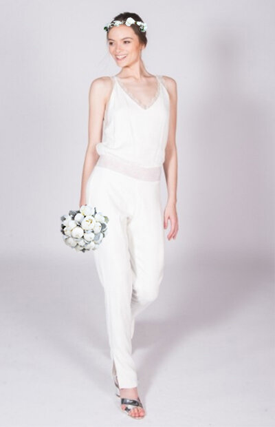 Location-vêtements-mariage-Jules-et-moi-robe-blanche-SOPHIE-SARFATI-couronne.jpg