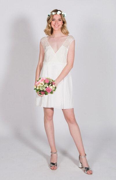 Location-vêtements-mariage-Jules-et-moi-robe-rose-longue-MARIANE-CARÊME-couronne.jpg