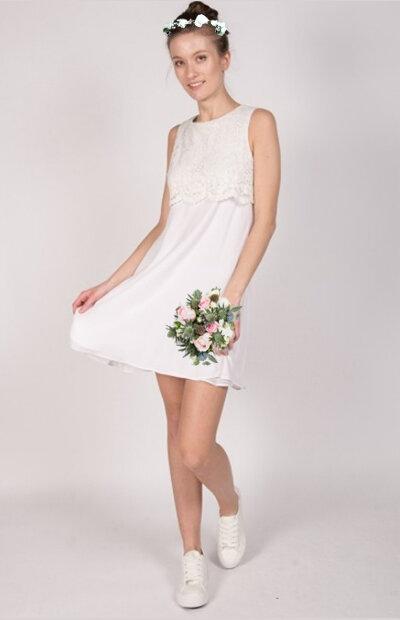 Location-vêtements-mariage-Jules-et-moi-robe-blanche-longue-CLAUDIE-PIERLOT-couronne.jpg