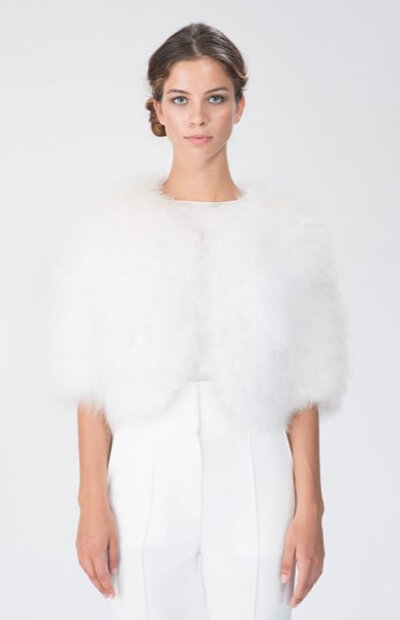 Location-vêtements-mariage-Jules-et-moi-robe-blanche-AZZARO-couronne.jpg