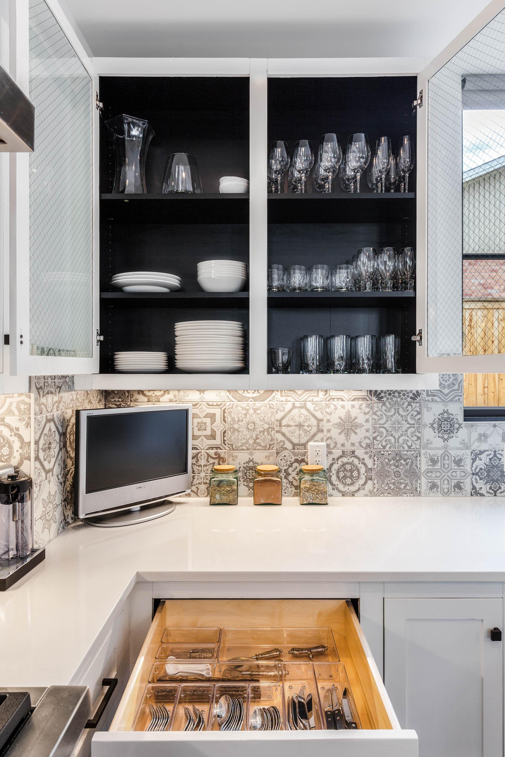 640-Hawthorne-Kitchen-Detail8.jpg