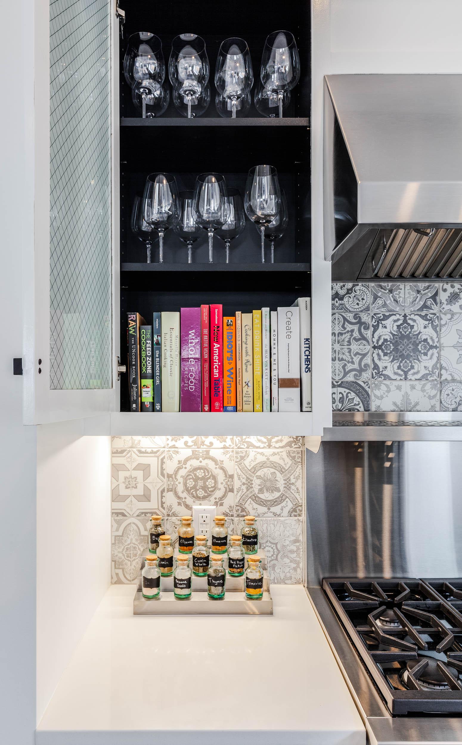 640-Hawthorne-Kitchen-Detail11.jpg