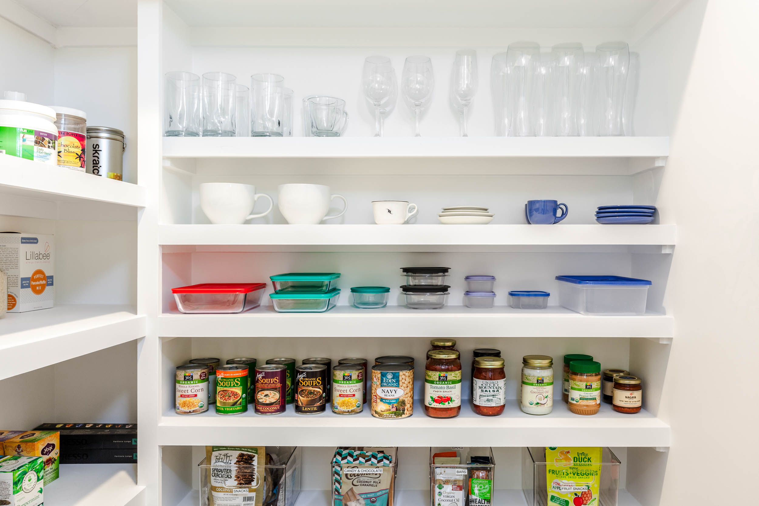 640-Hawthorne-Kitchen-Pantry-Detail2.jpg