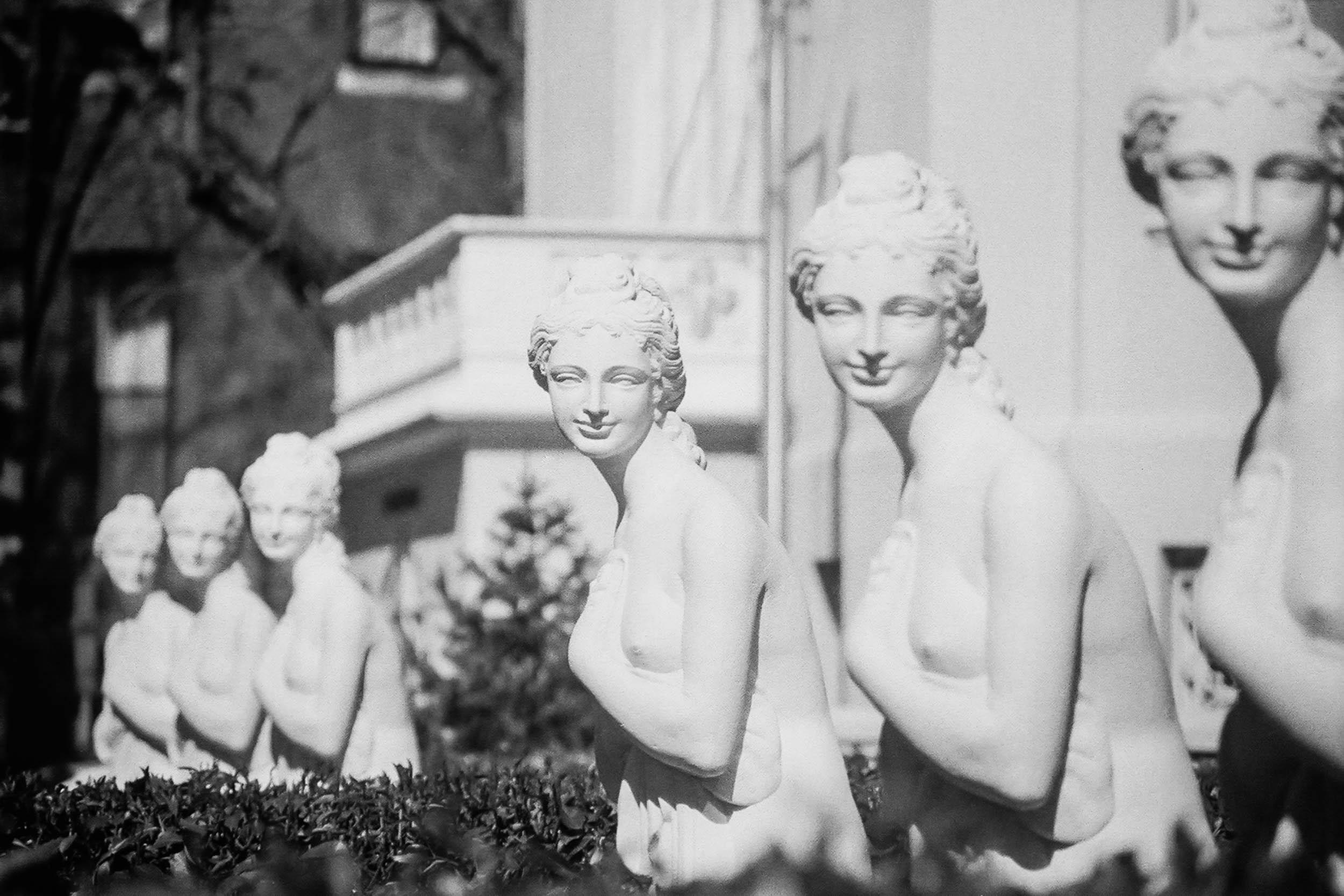 Six Smiling Virgins Washington, DC 2006