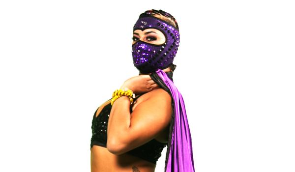 LADY SHANI - Es una de las más fuertes representantes de la División Femenil de Lucha Libre AAA Worldwide.Su figura y movimientos cadenciosos sirven para despistar a sus rivales ya que en el fondo es una aguerrida gladiadora que conoce los secretos de la lucha extrema.Shani es la mezcla perfecta de belleza y violencia.