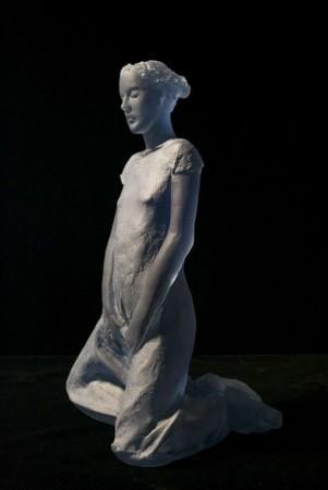 Nicolas Africano, Schiele (blue kneeling figure) 2015 cast glass 12 × 7.5 × 7 inches