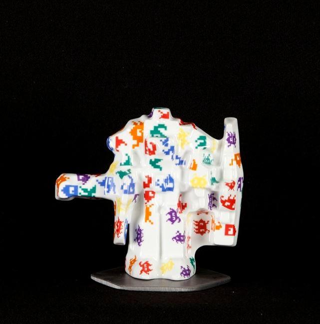 Jesse Small, TRAINEMPRISE #7, 2013 ceramic 6 x 6 x 4 inches