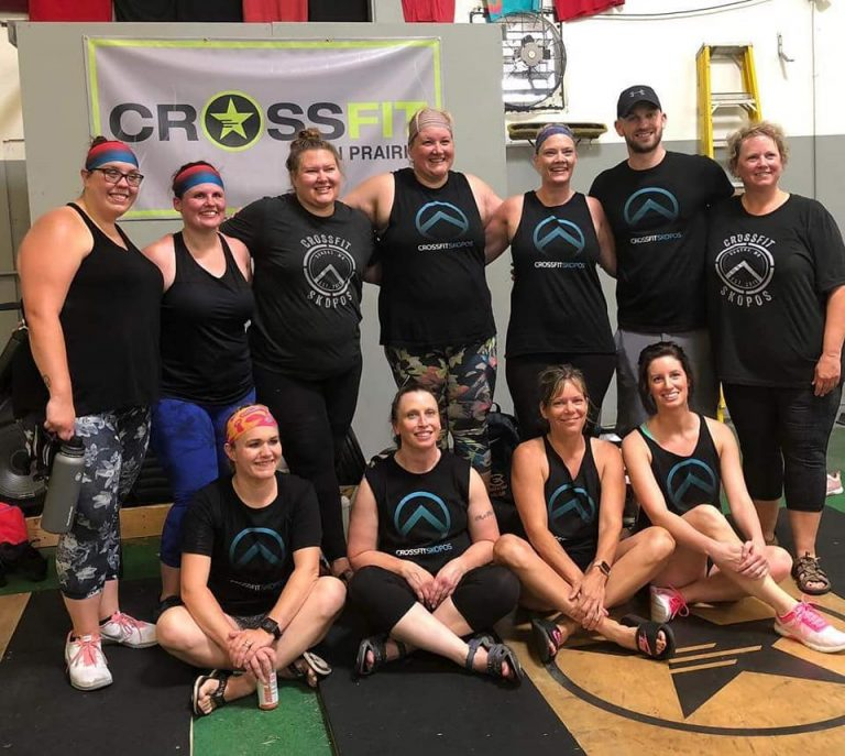 Jasmine (center back row) hanging out with a host of CrossFit Skopos folks at a recent competition in their area.