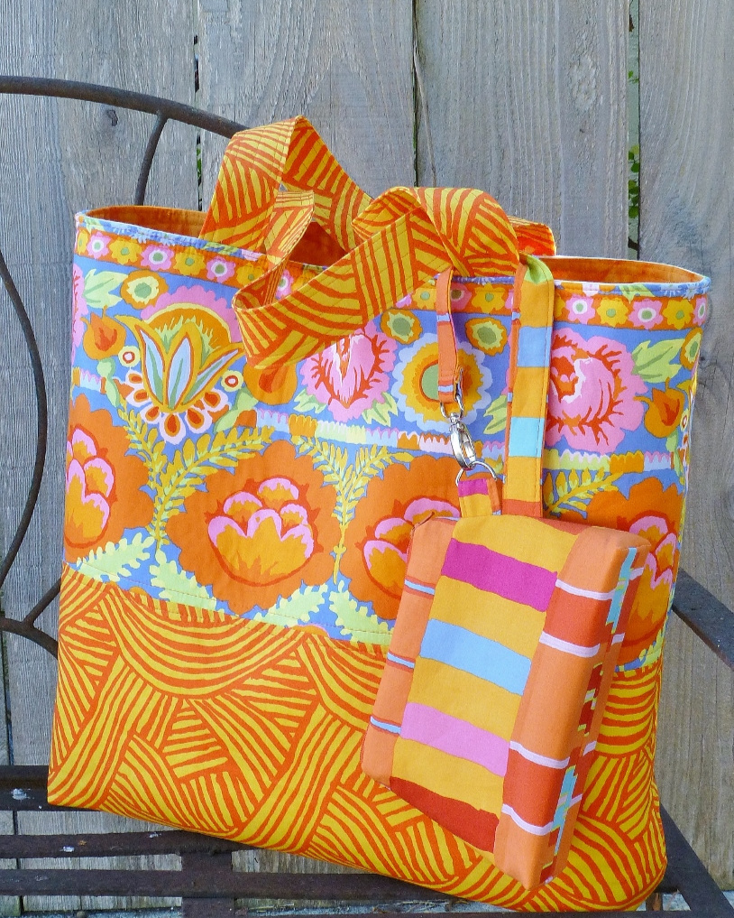 Sunshiney Day Tote with Zip Pouch
