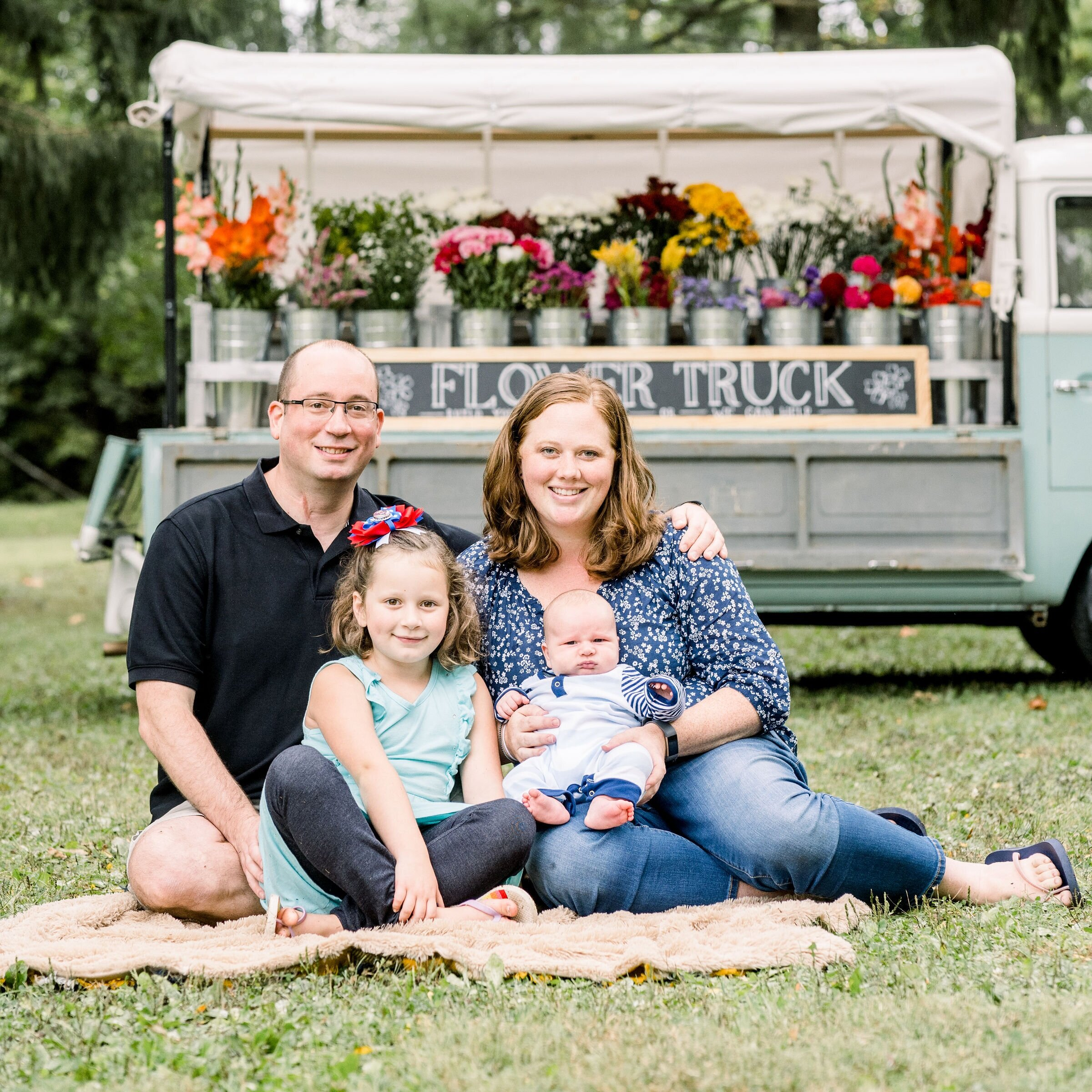 Jen Gabriel - RANK: EXECUTIVEI live in PA with my husband and 2 kiddos. Social Work has always been my way of connecting with people. A little over 2 years ago I found a new passion of connecting with people through my love of essential oils and creating a healthy environment for my family and sharing that with others. My favorite oil is a toss up between peppermint and valor.