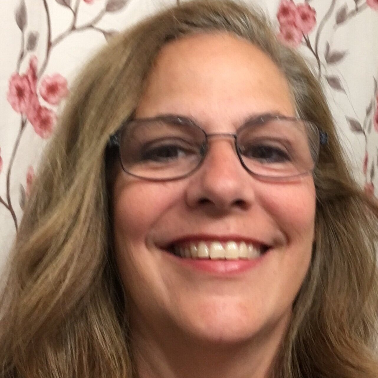Lora Templin - RANK: EXECUTIVELora is a Christian, a wife, a mom and a Mimi. She has a heart for helping others. She is passionate about sharing her love of God and oils with others