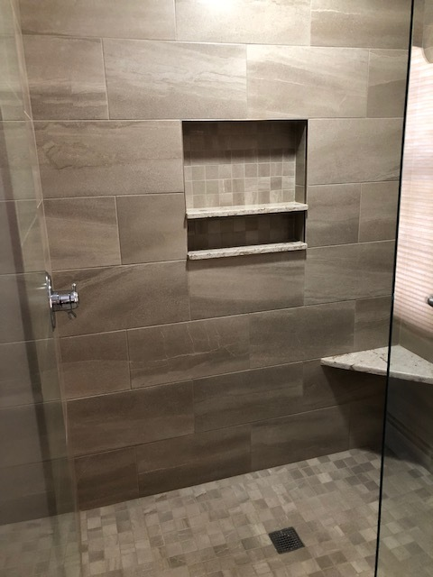 Bathroom Picture #4.jpg