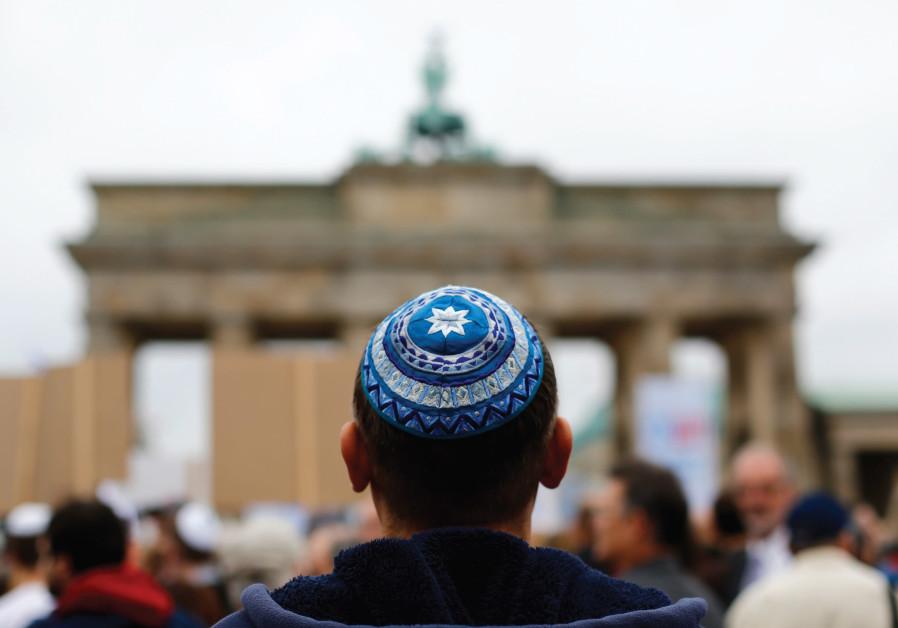 Jewish_Man_Attacked_Germany.jpg