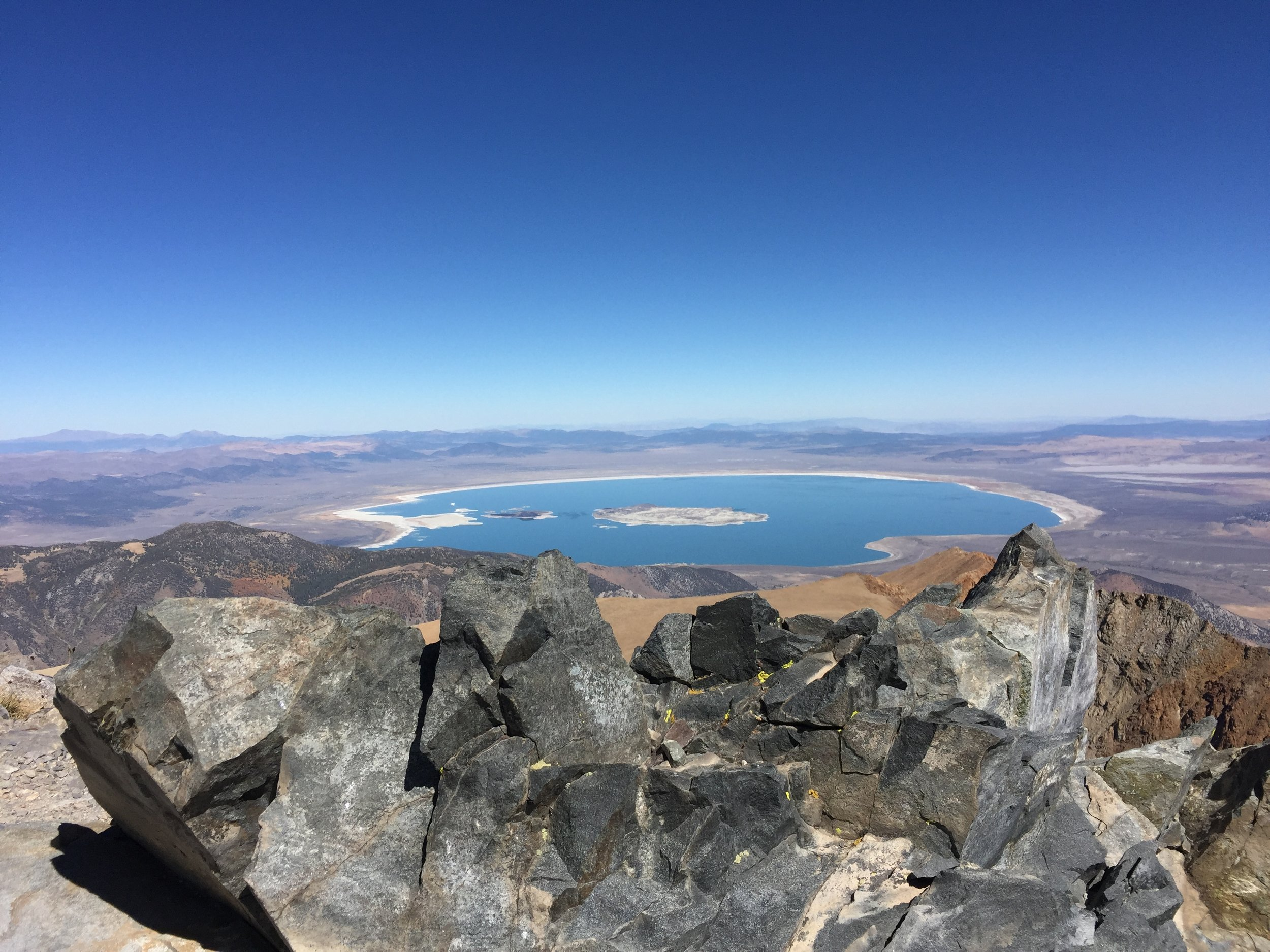 MONO LAKE FROM TOP OF MT. DANA