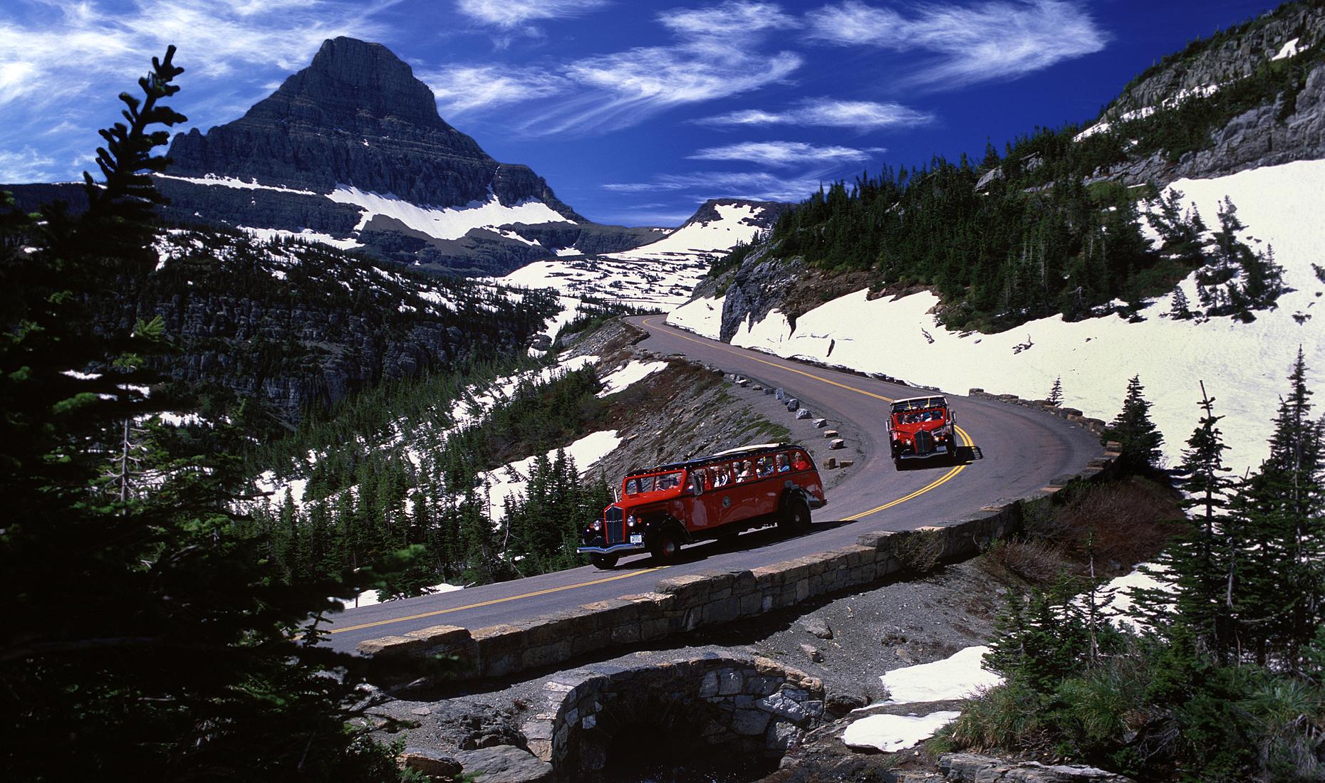 Glacier+Tour+Busses+copy.jpg