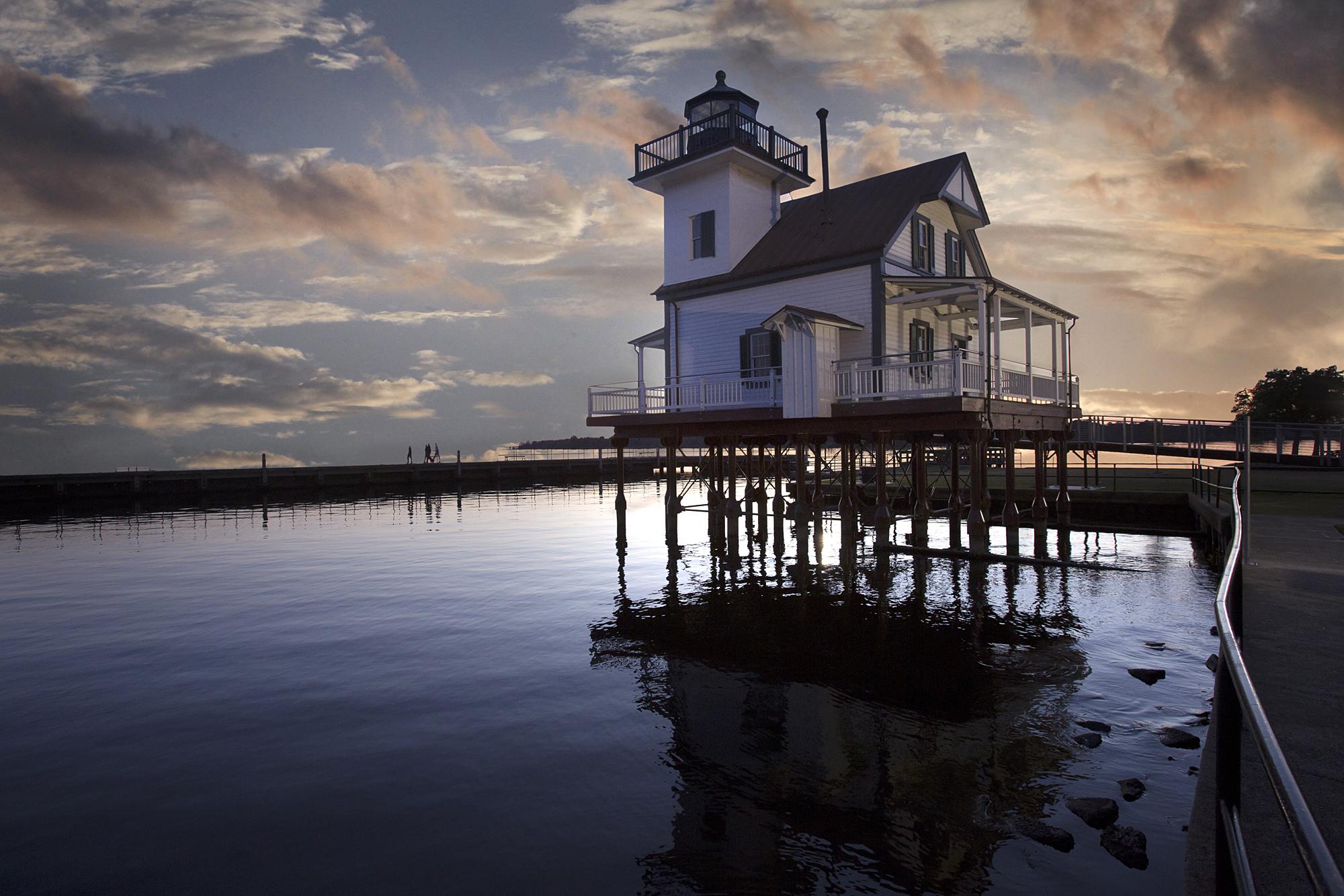 LighthouseB.jpg