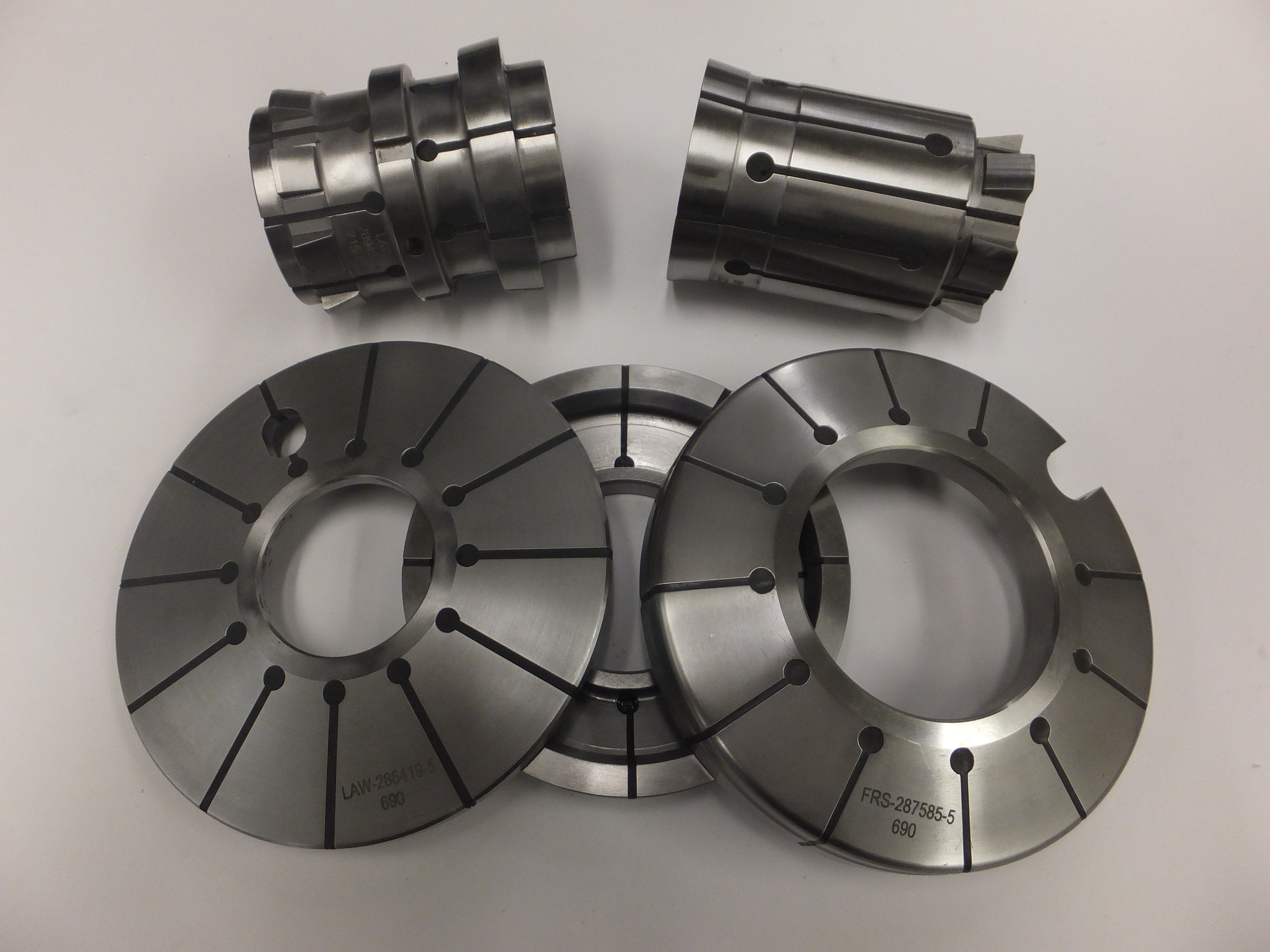Common Bevel Pinion Double Collets and Gear Expanding Disks