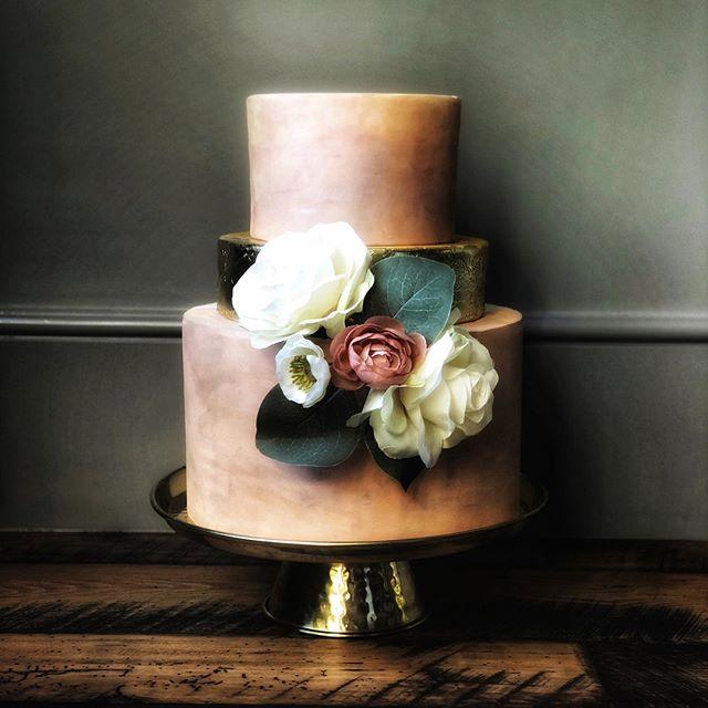 This hand-painted cake is fit to be framed. ⠀⠀⠀⠀⠀⠀⠀⠀⠀ •⠀⠀⠀⠀⠀⠀⠀⠀⠀ •⠀⠀⠀⠀⠀⠀⠀⠀⠀ •⠀⠀⠀⠀⠀⠀⠀⠀⠀ •⠀⠀⠀⠀⠀⠀⠀⠀⠀ #amazingcake⠀⠀⠀⠀⠀⠀⠀⠀⠀ #amazingcakes⠀⠀⠀⠀⠀⠀⠀⠀⠀ #austintx⠀⠀⠀⠀⠀⠀⠀⠀⠀ #cakeartist⠀⠀⠀⠀⠀⠀⠀⠀⠀ #cakedecorating⠀⠀⠀⠀⠀⠀⠀⠀⠀ #cakedesign⠀⠀⠀⠀⠀⠀⠀⠀⠀ #cakemaker⠀⠀⠀⠀⠀⠀⠀⠀⠀ #cakeoftheday⠀⠀⠀⠀⠀⠀⠀⠀⠀ #customcake⠀⠀⠀⠀⠀⠀⠀⠀⠀ #customcakes⠀⠀⠀⠀⠀⠀⠀⠀⠀ #edibleart⠀⠀⠀⠀⠀⠀⠀⠀⠀ #austincakes⠀⠀⠀⠀⠀⠀⠀⠀⠀ #atxcakes⠀⠀⠀⠀⠀⠀⠀⠀⠀ #instabake⠀⠀⠀⠀⠀⠀⠀⠀⠀ #luxurycakes⠀⠀⠀⠀⠀⠀⠀⠀⠀ #baker⠀⠀⠀⠀⠀⠀⠀⠀⠀ #cakeart⠀⠀⠀⠀⠀⠀⠀⠀⠀ #cakestagram⠀⠀⠀⠀⠀⠀⠀⠀⠀ #instacake⠀⠀⠀⠀⠀⠀⠀⠀⠀ #atx⠀⠀⠀⠀⠀⠀⠀⠀⠀ #austin⠀⠀⠀⠀⠀⠀⠀⠀⠀ #moderncake⠀⠀⠀⠀⠀⠀⠀⠀⠀ #bookofcake⠀⠀⠀⠀⠀⠀⠀⠀⠀ #designercake⠀⠀⠀⠀⠀⠀⠀⠀⠀ #cakephotography⠀⠀⠀⠀⠀⠀⠀⠀⠀ #austinweddingcakes⠀⠀⠀⠀⠀⠀⠀⠀⠀ #atxwedding⠀⠀⠀⠀⠀⠀⠀⠀⠀ #austinwedding⠀⠀⠀⠀⠀⠀⠀⠀⠀ #weddingcake⠀⠀⠀⠀⠀⠀⠀⠀⠀ #weddingcakes