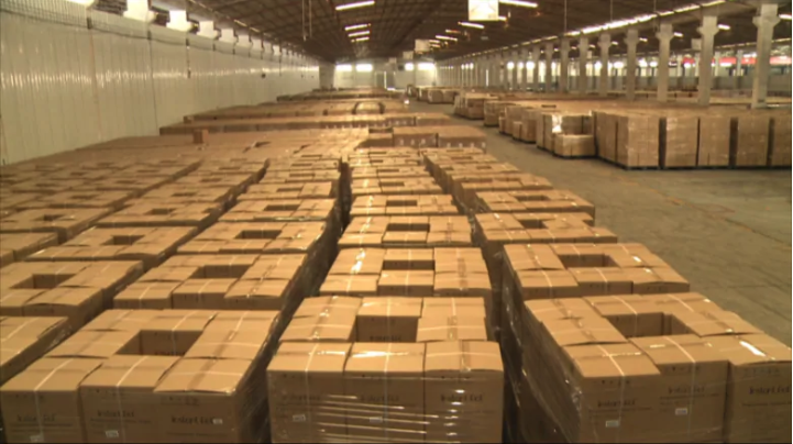 An Amazon warehouse filled with Instant Pots. (Source: CBC News)