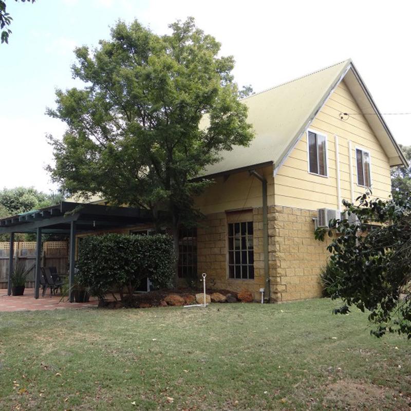 Dwellingup Holiday House