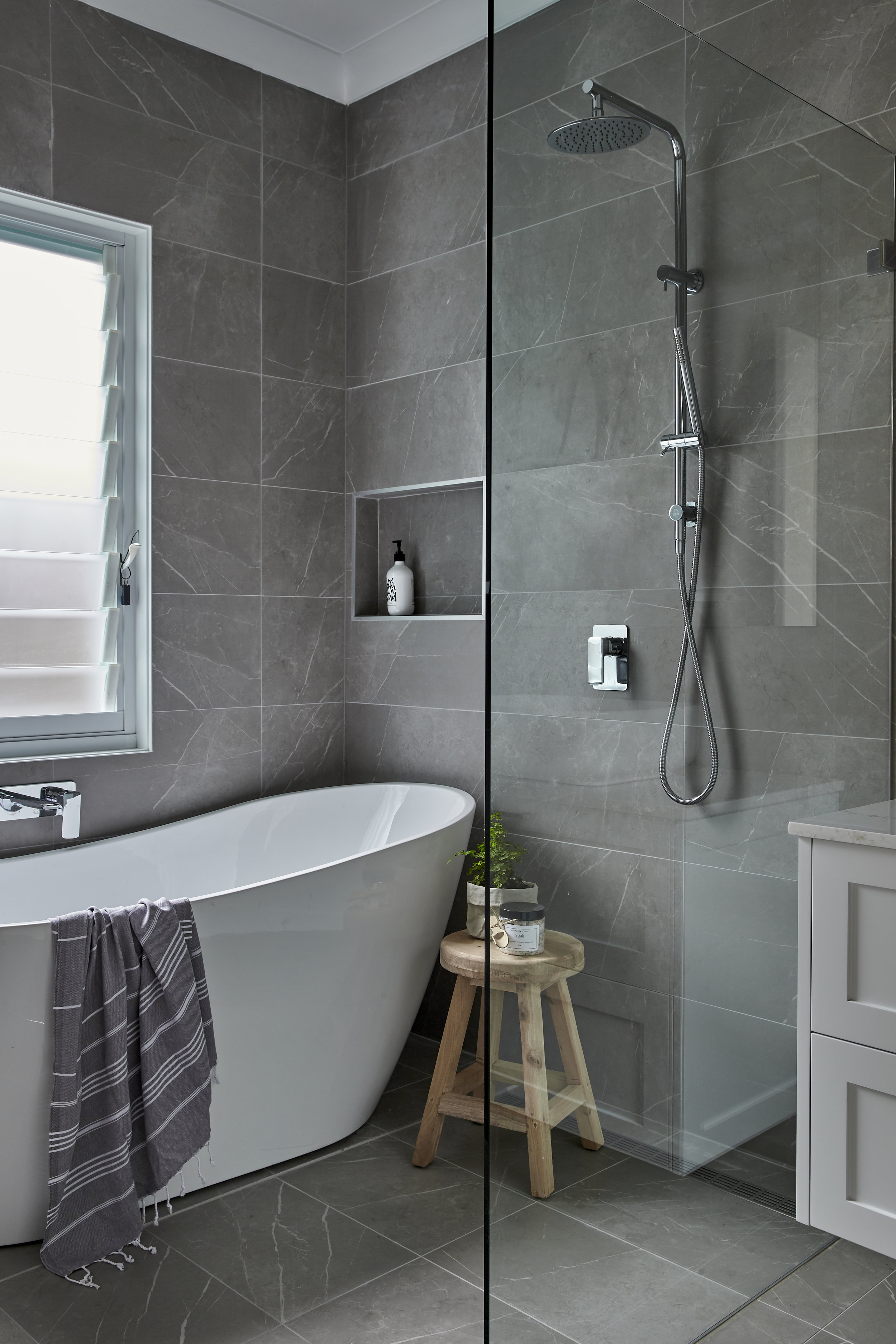 HOME by belle Bathroom Willoughby photo 7.jpg
