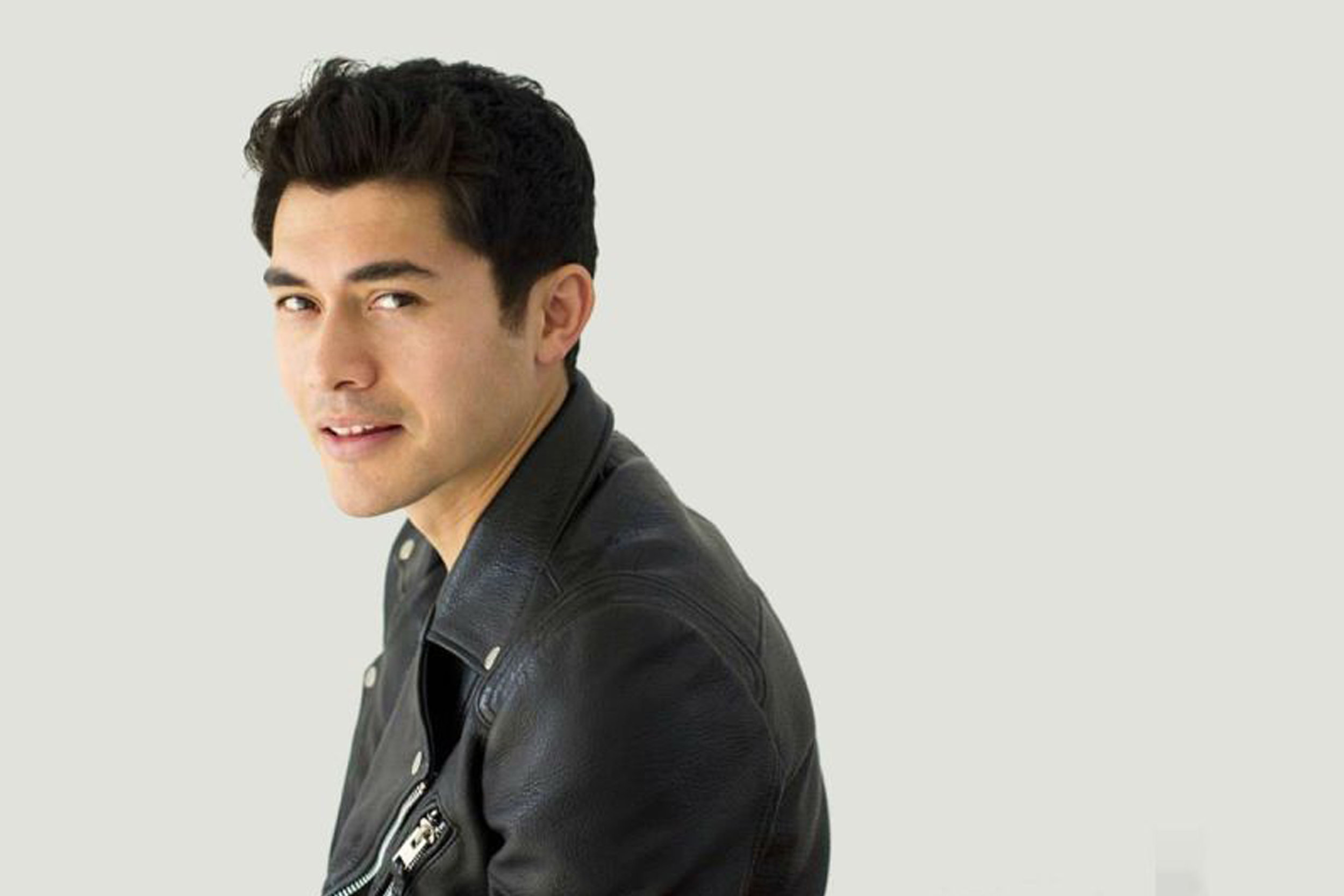 Henry Golding & the crew behind Crazy Rich Asians